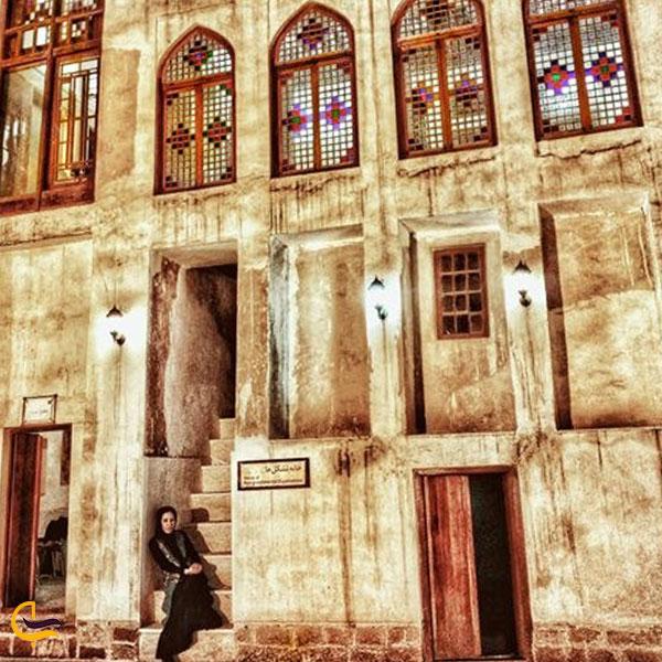 تصویری از عمارت دهدشتی بوشهر