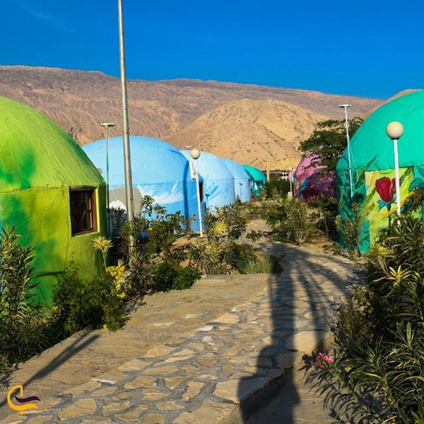 عکس کلبههای اسکیمویی اقامتگاه های لوله ای منطقه گردشگری پازارلند عسلویه