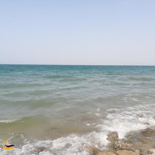 تصویری از ساحل دریای عمان