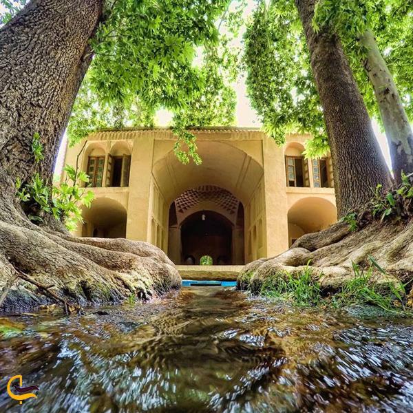 تصویری از باغ پهلوان پور مهریز