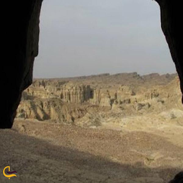 تصویری از غار سادرمند